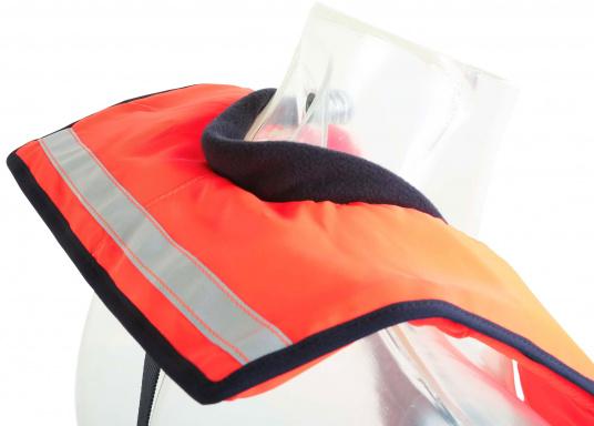 La coupe et le poids de ce gilet en font un équipement idéal pour l'aviron, le kayak et tout autre sport nautique pratiqué en eaux intérieures et espaces côtiers protégés. 100 N. Pour utilisateur à partir de 50 Kg (Image 5 de 10)