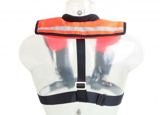 La coupe et le poids de ce gilet en font un équipement idéal pour l'aviron, le kayak et tout autre sport nautique pratiqué en eaux intérieures et espaces côtiers protégés. 100 N. Pour utilisateur à partir de 50 Kg (Image 6 de 10)