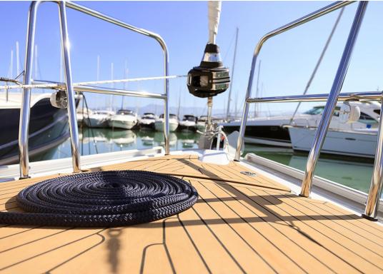 <div>Elegant und technisch hochwertig! Der flexible Teakoptik Deckbelag kann auf Kunststoff-, Stahl- und Holzoberflächen eingesetzt werden. Er ist langlebig, vollständig UV-stabilisiert und besonders rutschfest.</div>  (Bild 13 of 60)