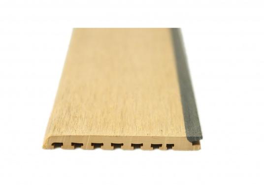 <div>Elegant und technisch hochwertig! Der flexible Teakoptik Deckbelag kann auf Kunststoff-, Stahl- und Holzoberflächen eingesetzt werden. Er ist langlebig, vollständig UV-stabilisiert und besonders rutschfest.</div>  (Bild 3 of 60)
