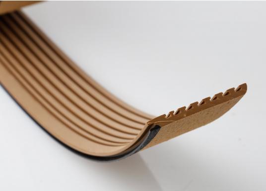 <div>Elegant und technisch hochwertig! Der flexible Teakoptik Deckbelag kann auf Kunststoff-, Stahl- und Holzoberflächen eingesetzt werden. Er ist langlebig, vollständig UV-stabilisiert und besonders rutschfest.</div>  (Bild 47 of 60)
