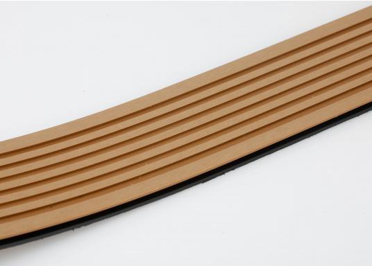 <div>Elegant und technisch hochwertig! Der flexible Teakoptik Deckbelag kann auf Kunststoff-, Stahl- und Holzoberflächen eingesetzt werden. Er ist langlebig, vollständig UV-stabilisiert und besonders rutschfest.</div>  (Bild 52 of 60)