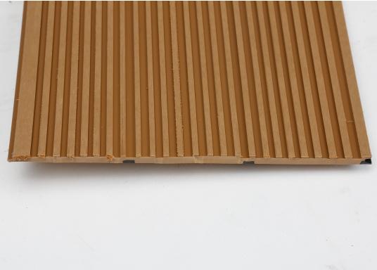 <div>Elegant und technisch hochwertig! Der flexible Teakoptik Deckbelag kann auf Kunststoff-, Stahl- und Holzoberflächen eingesetzt werden. Er ist langlebig, vollständig UV-stabilisiert und besonders rutschfest.</div>  (Bild 57 of 60)