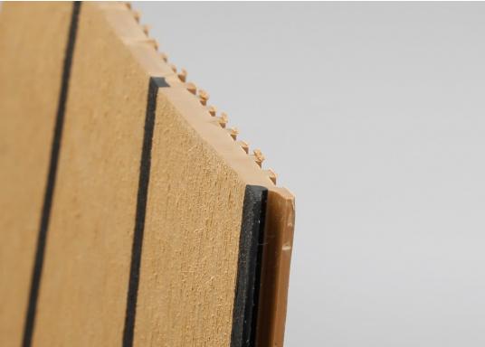 <div>Elegant und technisch hochwertig! Der flexible Teakoptik Deckbelag kann auf Kunststoff-, Stahl- und Holzoberflächen eingesetzt werden. Er ist langlebig, vollständig UV-stabilisiert und besonders rutschfest.</div>  (Bild 58 of 60)
