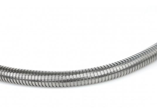Hochflexibler Abgasschlauch - speziellfür die Honda-Stromerzeuger EX7, EU 10i und EU 20i entwickelt. Der 1,50 m lange Schlauch ist leicht montierbar und wird inklusive V2A Anschlussadapter, Schelle und Schrauben geliefert. (Bild 3 von 3)