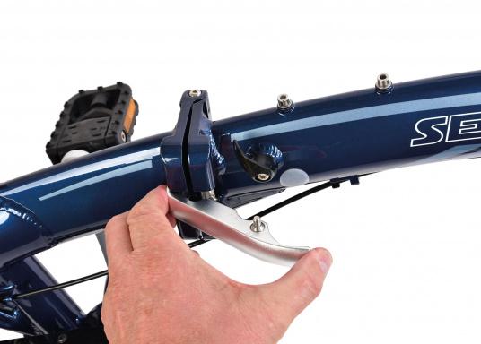 """Léger et solide ! Le vélo pliant alu SEATEC 20"""" est prêt en quelques secondes. Le cadre aluminium, le guidon réglable en hauteur, la selle et le dérailleur 3 vitesses en font une bicyclette agréable.  (Image 8 de 10)"""