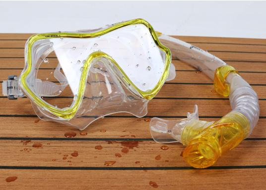 """Snorkel away- we offer you the right diving mask and the matching snorkel."""""""