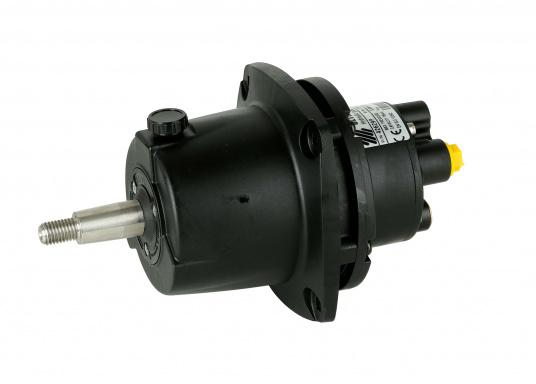 Un completo sistema di controllo idraulico per motori fuoribordo con potenza fino a 115 CV. Il sistema è fornito completo di: pompa di controllo, cilindro idraulico, tubo ad alta pressione di 6 millimetri in nylon e 2 litri di olio. (Immagine 3 di 4)