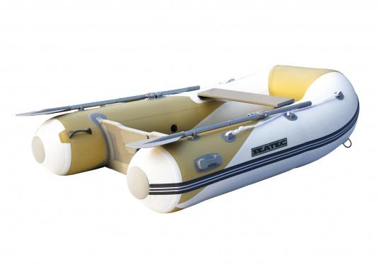 Das Set besteht aus dem SEATEC Schlauchboot YACHTING 225und dem Außenbordmotor Honda BF 2,3.  (Bild 2 von 5)