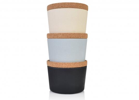 Die Korkdeckel der Vorratsdosen schließen gut und halten den Inhalt frisch und trocken. Dank des einzigartigen Designs lassen sich die Dosen super stapeln. (Bild 3 of 12)