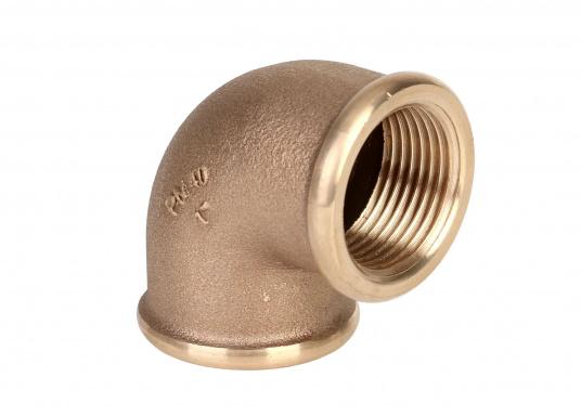 """Hochwertiger Rohrbogen 90°, gefertigt aus der äußerst seewasserbeständigen BronzelegierungCB491K(Rotguss). Durch den hohen Kupfergehalt in der Legierung sind Ventile und Fittinge aus Bronze ideal für den dauerhaften Einsatz im Unterwasserbereich geeignet."""""""