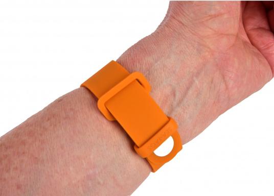 Bei dem MOB-Armband von SEATAGS handelt es sich um einen MOB-Sender, der perBluetoothmit einem kompatiblen Smartphone oder Tablet (Android oder iOS)verbunden wird. Dazu muss lediglich die kostenlose App auf dem jeweiligen Gerät installiert werden. (Bild 7 of 12)