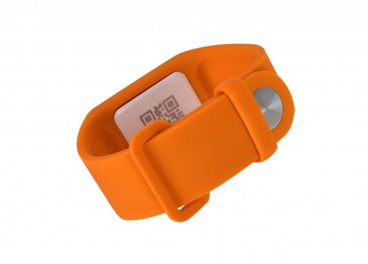 Bei dem MOB-Armband von SEATAGS handelt es sich um einen MOB-Sender, der perBluetoothmit einem kompatiblen Smartphone oder Tablet (Android oder iOS)verbunden wird. Dazu muss lediglich die kostenlose App auf dem jeweiligen Gerät installiert werden. (Bild 3 of 12)