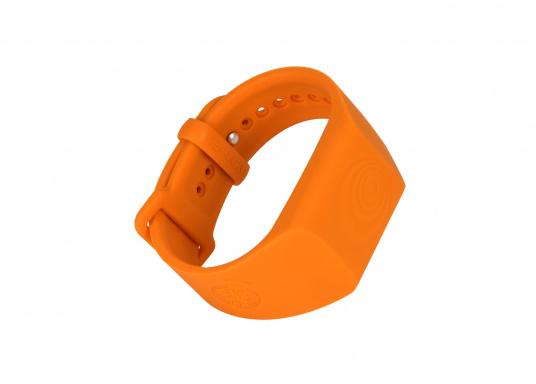 """Bei dem MOB-Armband von SEATAGS handelt es sich um einen MOB-Sender, der perBluetoothmit einem kompatiblen Smartphone oder Tablet (Android oder iOS)verbunden wird. Dazu muss lediglich die kostenlose App auf dem jeweiligen Gerät installiert werden."""""""