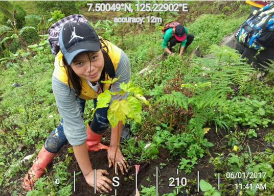 SVB hat das Aufforsten in sein Programm aufgenommen und sich als Partner die MAMA EARTH Foundation ausgewählt, welche bereits über eine Million Mangroven im Golf von Davao/Philippinen gepflanzt hat. (Bild 16 von 27)