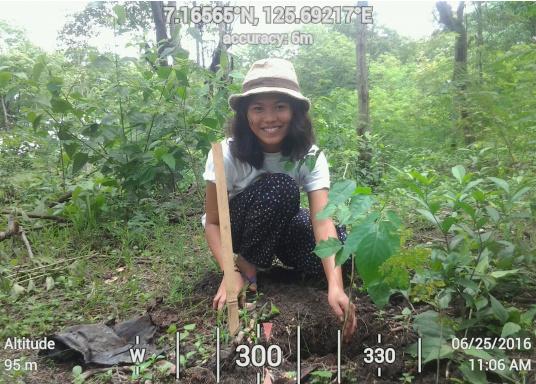 SVB hat das Aufforsten in sein Programm aufgenommen und sich als Partner die MAMA EARTH Foundation ausgewählt, welche bereits über eine Million Mangroven im Golf von Davao/Philippinen gepflanzt hat. (Bild 17 von 27)