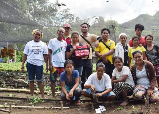 SVB hat das Aufforsten in sein Programm aufgenommen und sich als Partner die MAMA EARTH Foundation ausgewählt, welche bereits über eine Million Mangroven im Golf von Davao/Philippinen gepflanzt hat. (Bild 13 von 27)