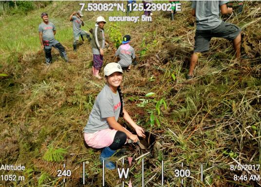 SVB hat das Aufforsten in sein Programm aufgenommen und sich als Partner die MAMA EARTH Foundation ausgewählt, welche bereits über eine Million Mangroven im Golf von Davao/Philippinen gepflanzt hat. (Bild 8 von 27)