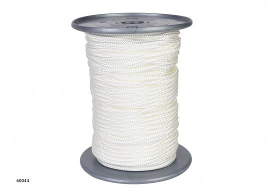 <div>Braided, kink-free and stretch-free flag line. Comes on a spool. Available in3, 4, 5 or 6 mm diameter, with a length of either50 m or 100 m.</div>  (Image 4 of 5)