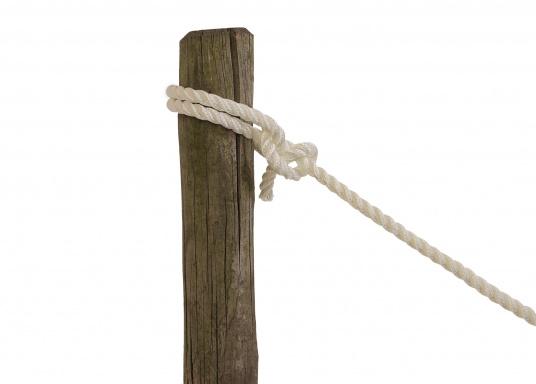 Le poids-léger! Ce cordage flottant est parfait pour faire une remorque. 3 torons en polypropylène. Disponible en différents diamètres et couleurs.  (Image 3 de 5)